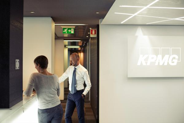 KPMG Milan Business Development & Marketing Internship 1